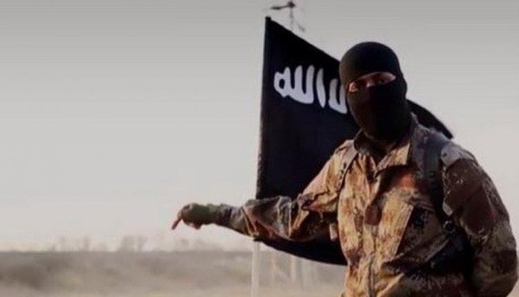 عنصر من تنظيم داعش