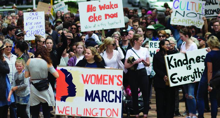 النساء الامريكيات يزحفن نحو واشنطن والسبب ترامب