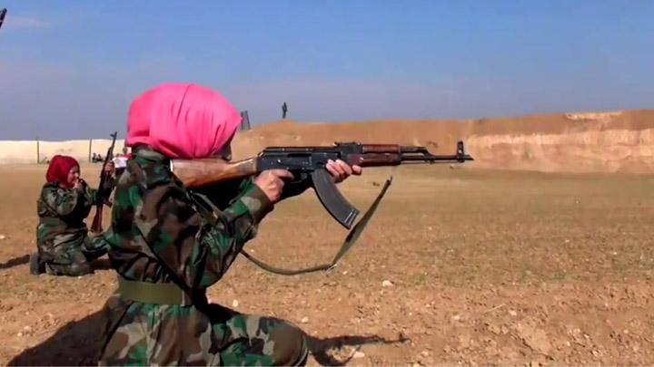 جانب من تدريبات كتيبة خنساوات سورية