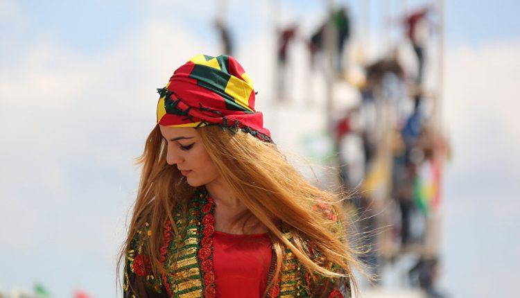 احتفالات أهالي مدينة آمد (ديار بكير) بعيد نوروز 2017