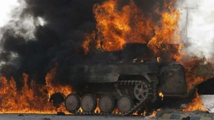 دبابة تركية مشتعلة
