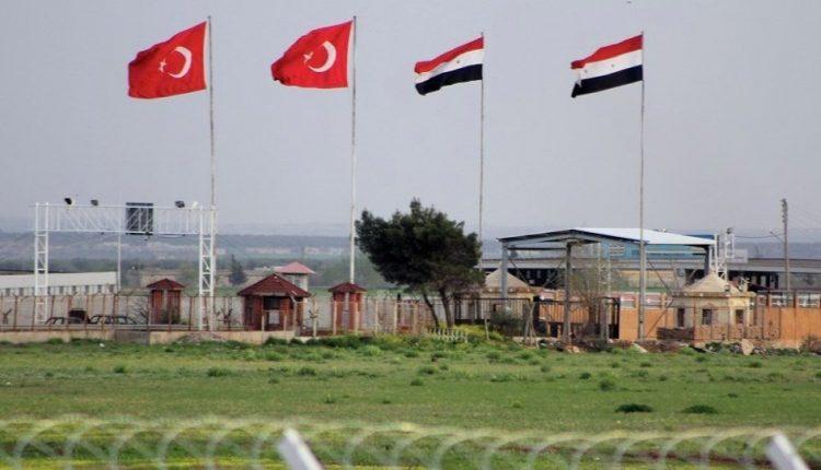 العلم السوري والعلم التركي