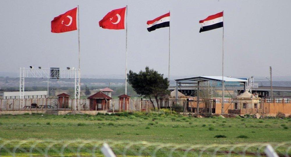 أنقرة لا تستبعد قيامها باتصالات مباشرة مع دمشق