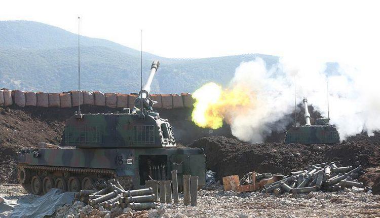 مدرعات عسكرية تركية تقصف عفرين