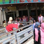 الحسكة: منظمة آشنا توزع مواد غذائية على العوائل ذات الدخل المحدود