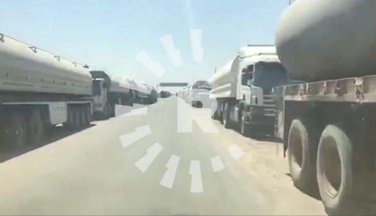 صهاريج تنقل النفط من رميلان إلى مصفاة بانياس