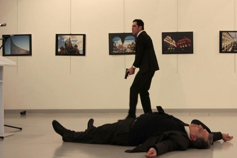 انتقاماً لمدينة حلب، مسلح يقتل السفير الروسي في تركيا