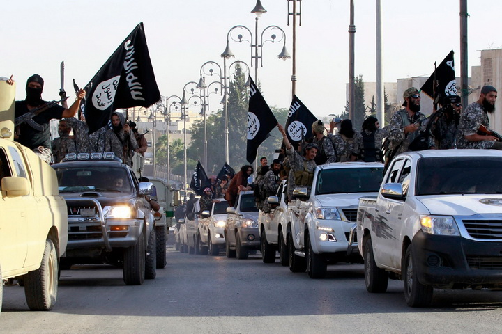 تعزيزيات عسكرية جديدة لـ داعش في دير الزور تنبئ بمعارك كبيرة