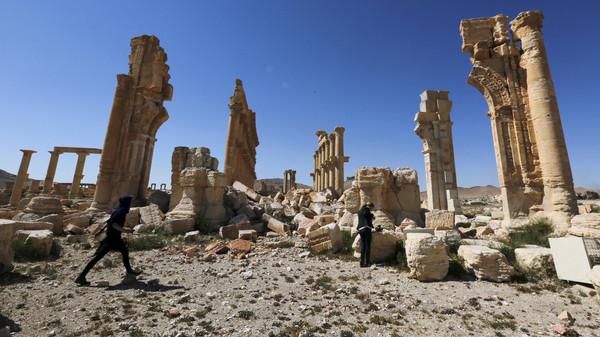 داعش يرتكب جريمة في تدمر بسوريا
