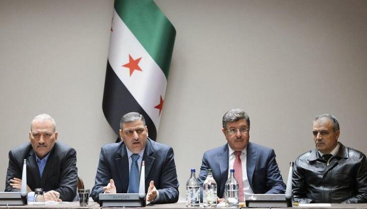 استقالة رياض حجاب وعبدالحكيم بشار و7 مسؤولين آخرين من الهيئة العليا للمفاوضات