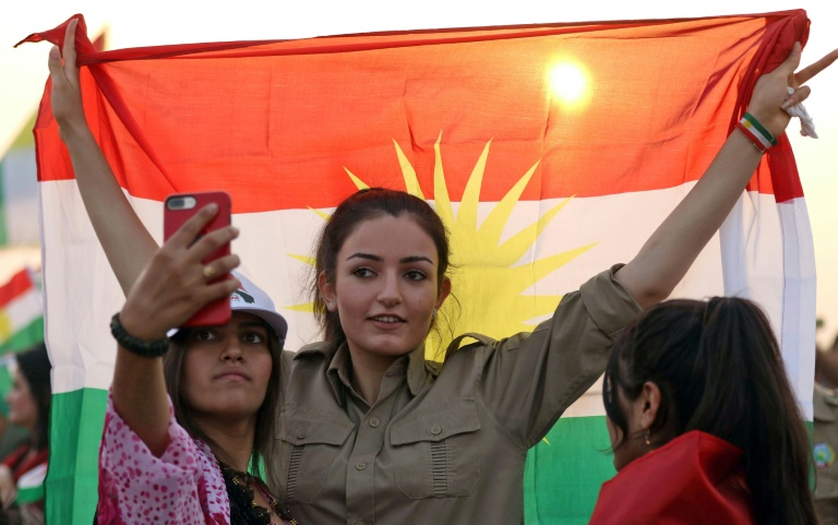 الصين تشهد إدلاء أول مواطن كردي بصوته في الاستفتاء