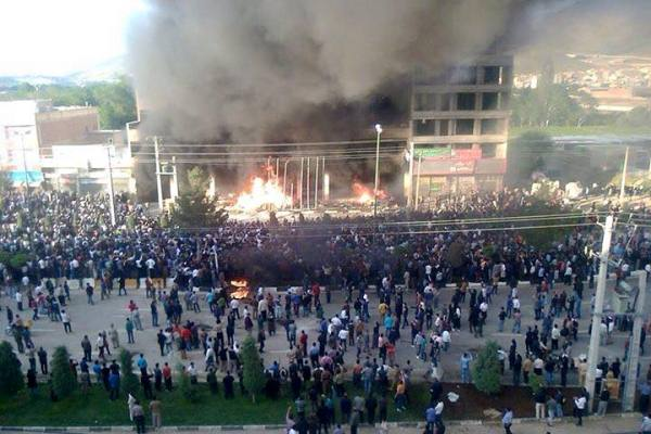 مظاهرات في إيران احتجاجاً على مقتل شابين كرديين