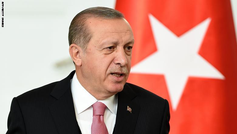أردوغان مهاجما البرزاني: من أين لك الحق بكركوك؟ نحن أحفاد الفاتح