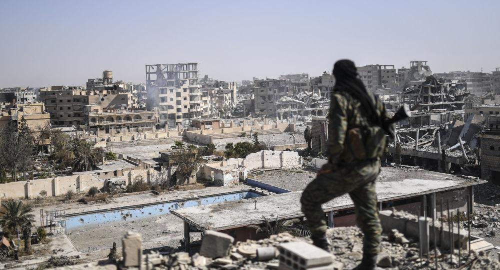 """البنتاغون: الأنباء عن """"صفقة سريّة"""" مع داعش في الرقة عارية عن الصحة"""