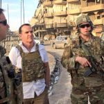 رداً على التهديدات السورية والإيرانية.. مبعوث الرئيس الأميركي يغرد من الرقة