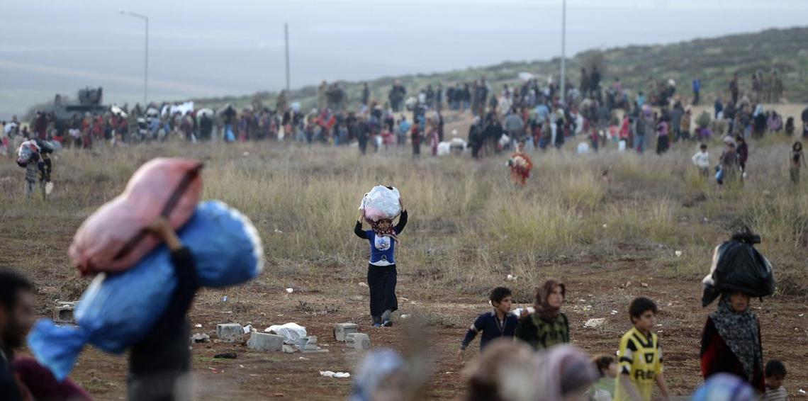 عفرين: نزوح ما يقدر بـ5 آلاف شخص هربا من القصف التركي
