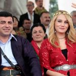 """إسطنبول: """"تعرية"""" مغنية كوردية معارضة للسلطات التركية"""