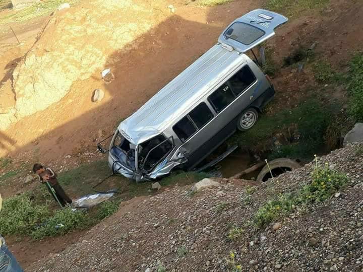 آشا نيوز تنشر أسماء جرحى حادث تدهور حافلة على طريق تل تمر الحسكة